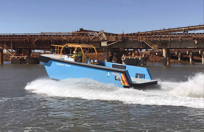 High speed lines boat / work boat